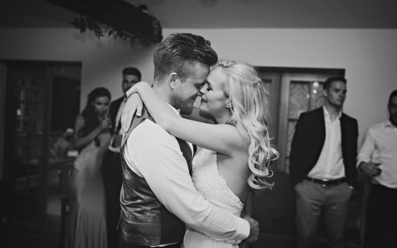 Sam & Lisa | Oaks Farm Wedding Photographer