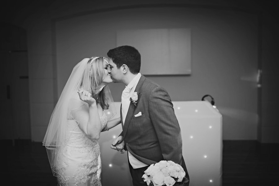 Pembroke Lodge Wedding Photographer London - Alex and Kathleen -GK Photography-090