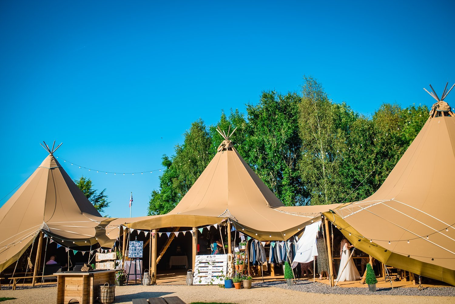 Farnham Wedding Photographer - tipi, wedding venue